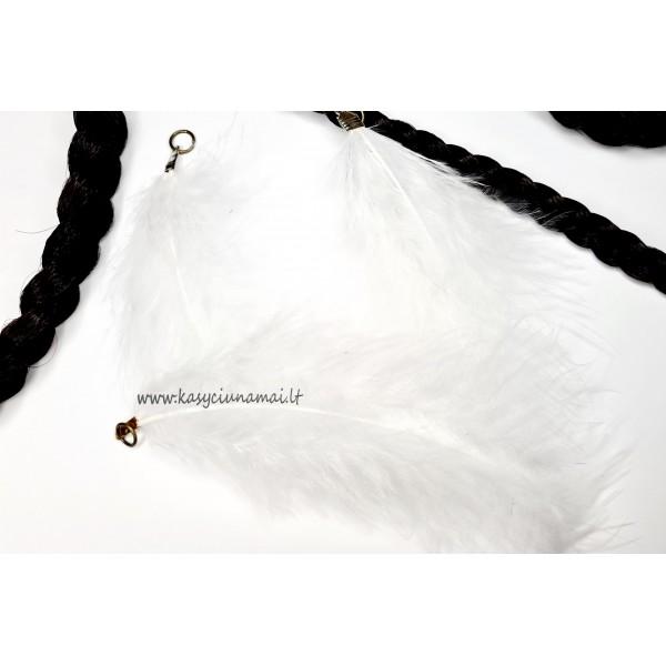 Baltos plunksnos