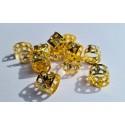 Auksiniai žiedeliai su kristalais